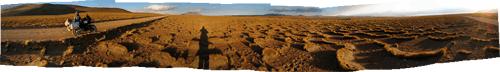 """Boliivia (8) - ühest suunast tugeva tuulega on põõsad ulmelise """"lainelise"""" struktuuri tekitanud"""