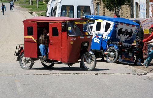 Kolmerattalised Peruus - ilmselt vägagi efektiivne (bensiinikulu ja kompaktsus) transpordivahend siin kandis