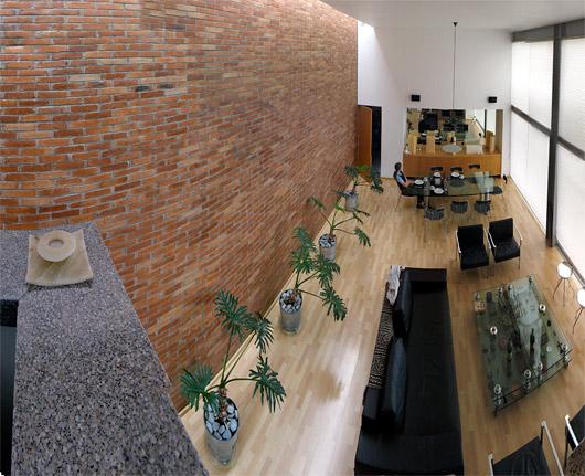 Andrése modernses ja minimalistlikus kodus - teenijad tõid ka hommikusöögi lauda