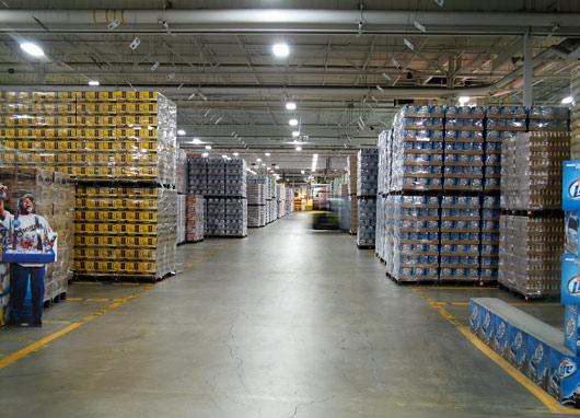 Milleri õlleladu - see tühjeneb ja asendub uuega iga 24 tunni tagant - tarbimisel USAs on hoopis teised mõõtmed