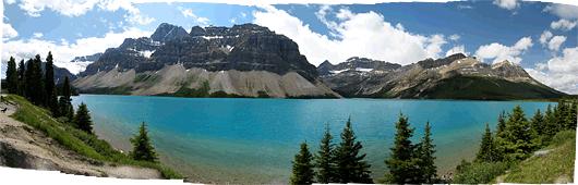 Banff (2) - imelised sini-rohelised veed lumiste tippude vahel