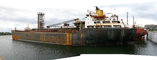 Laev Montréali sadamas