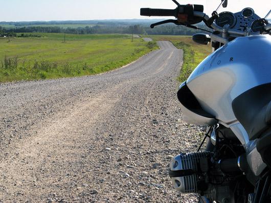 Hea, et veel ilusaid kruusateid on - neid lausa valguse kiirusel asfalteeritakse...