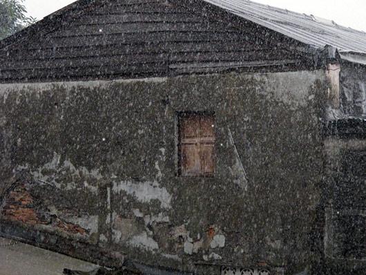Troopiline vihmasadu Jakartas