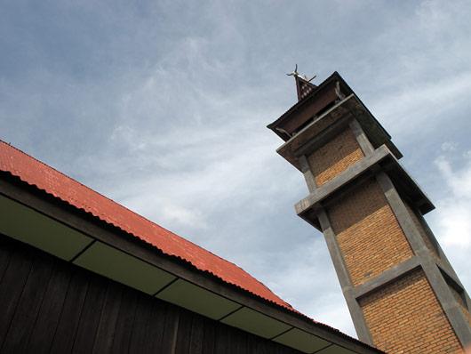 Bataki kiriku torn