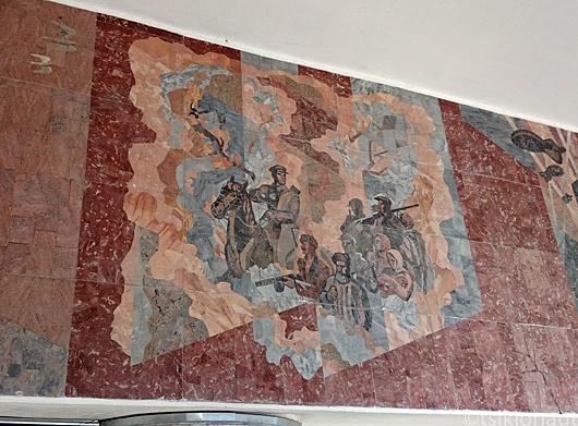 Metroojaama seinamaalingud on Isamaasõja nostalgia