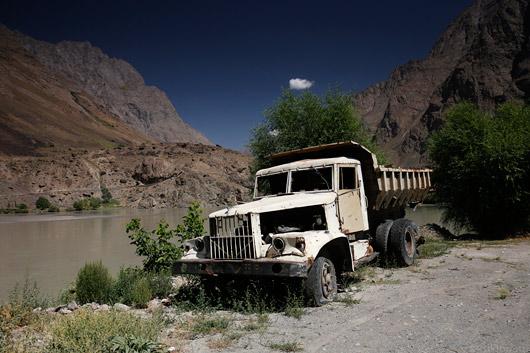 Hüljatud rekka Pamiiri tee ääres