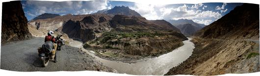 Panoraam Afgaani külast teispool jõge