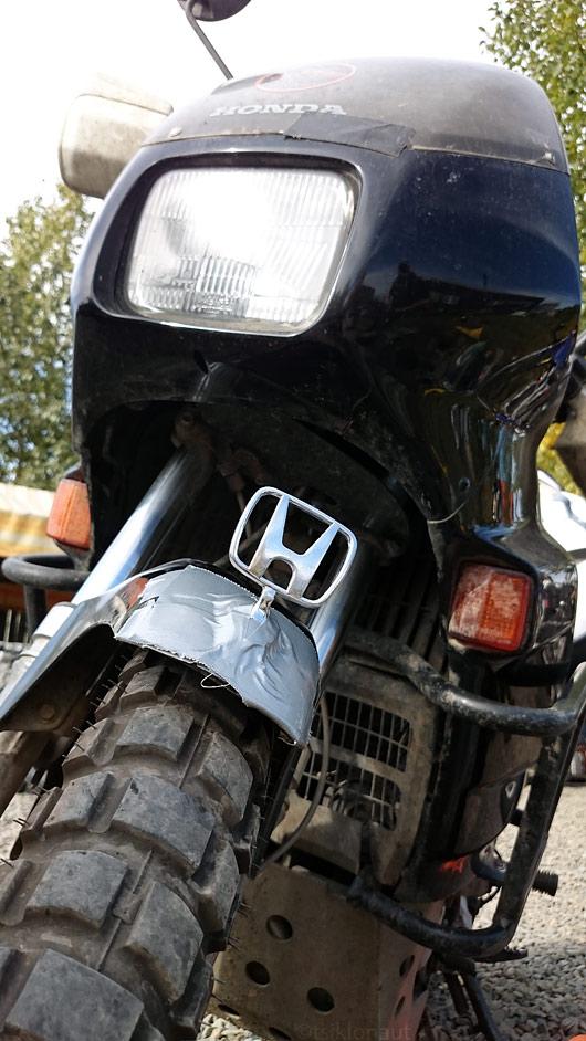 Honda sai mustalt turult väärika. Honda läks mõned päevad hiljem siiski katki...